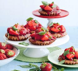 Kleine Erdbeer-Schokoladenkuchen