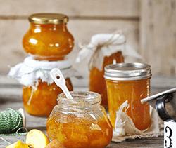 Aprikosen-Pfirsich-Konfitüre mit Likör